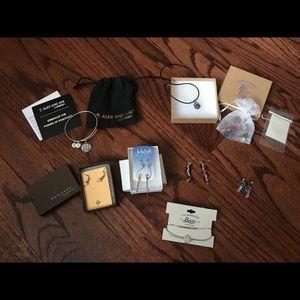 Jewelry - Assorted jewelry